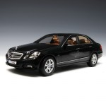 [Maisto] 1:18 Mercedes Benz E-Class - 31172 / Benz / model car / Die-cast