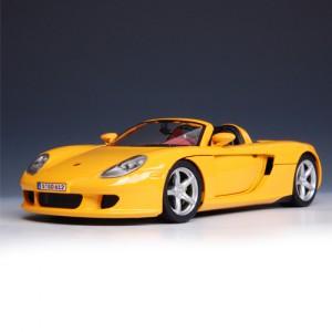 [CARARAMA] 1:24 Porsche Carrera GT (Yellow)