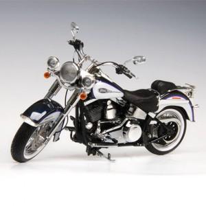 [HIGHWAY61] 1:12 2009 Harley Davidson FLSTN SOFTAIL DELUXE BIG PURPLE FLAKE - BRILLIANT SILVER-81083