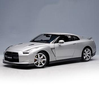 [AUTOART] 1:18 NISSAN GT-R (R35) - ULTIMATE METAL SILVER_77386 / Nissan GT-R / model car / Die-cast