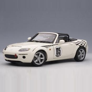 [AUTOART] 1:18 MAZDA ROADSTER (NC) NR-A # 05 (MARBLE WHITE) (80644) / Mazda Roadster / Mazda Roadster