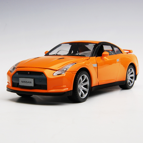 [MOTORMAX] 1:24 NISSAN GTR - 73384, diecast model car