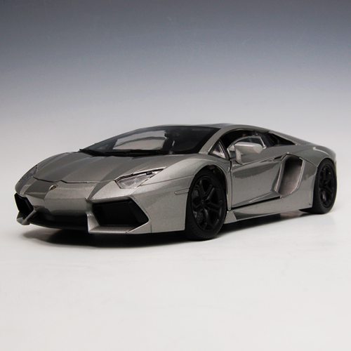 [MOTORMAX] 1:18 Lamborghini Aventador LP700-4 - 79154
