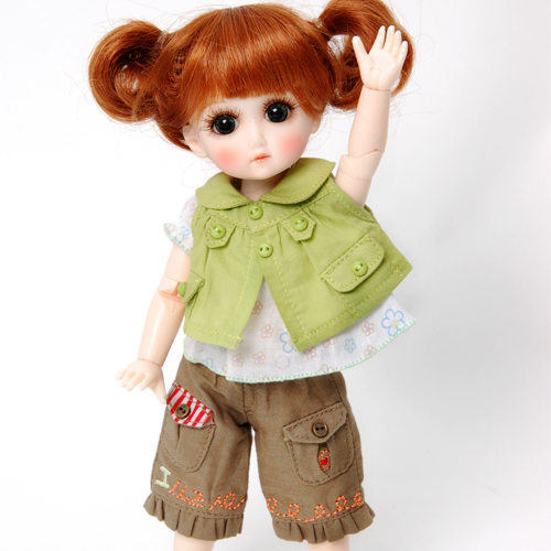Picnic in the Garden (no wig) - GC0003B outfit only