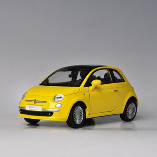 [MOTORMAX] 1:24 FIAT NUOVA 500 - 73373