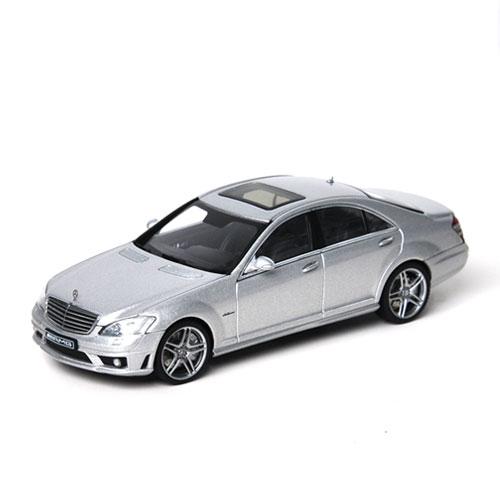 AUTOART 1/43MERCEDES-BENZ S63 AMG SILVER-56206