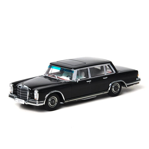 AUTOART 1:43 MERCEDES-BENZ 600 SWB BLACK_56192