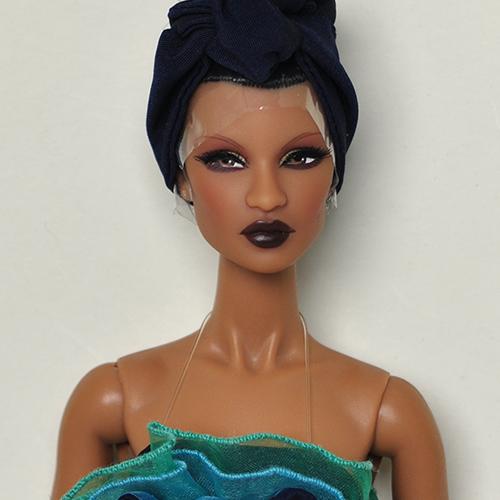 FR2 Grand Gesture Dressed Doll - 57015