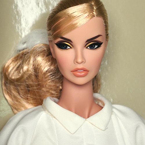 "FR16 16"" Press Magnate Saskia Tate Dressed Doll  - 78001"
